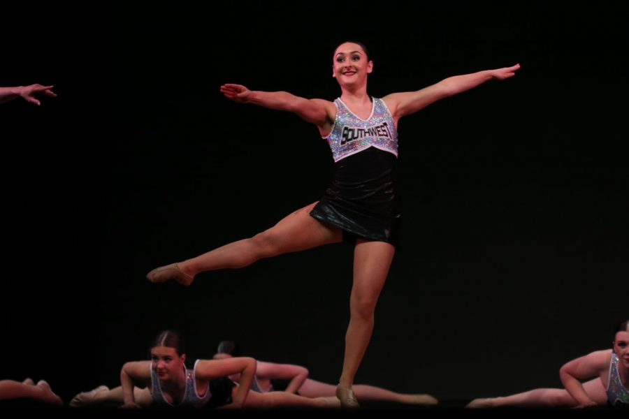 Eyes+towards+the+audience%2C+sophomore+Sophya+Galan+finishes+her+pirouette.+