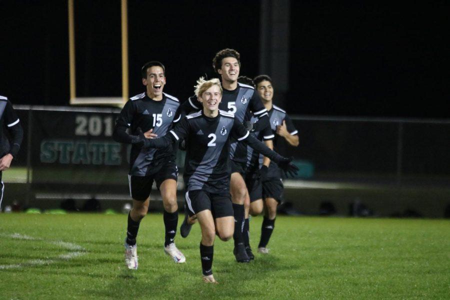 GALLERY: Boys soccer wins EKL title on Senior Night, Oct. 21